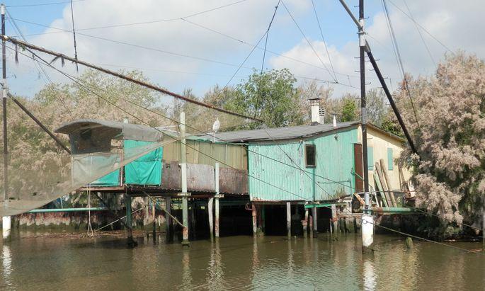 Fischerhütte im Parco del Delta del Po. Fette Aale sind hier die bevorzugte Beute.