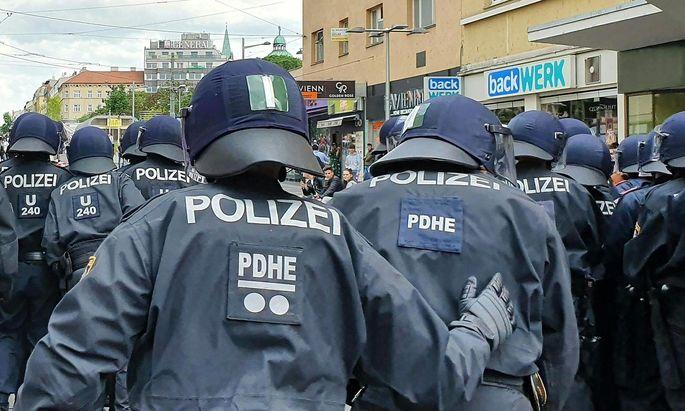 Polizei am Donnerstag in Wien-Favoriten