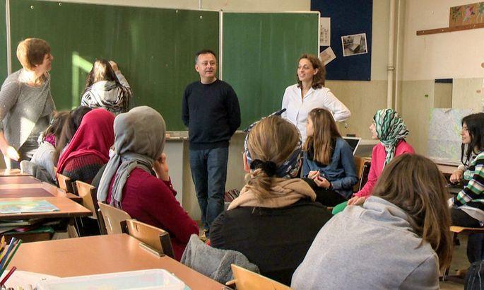 Oesterreich darf nicht sitzen bleiben. Lehrer in der Krise?