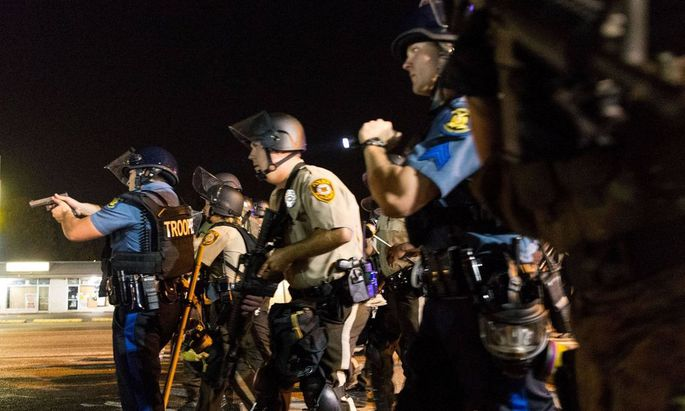 Polizei erschießt erneut Afro-Amerikaner bei Ferguson