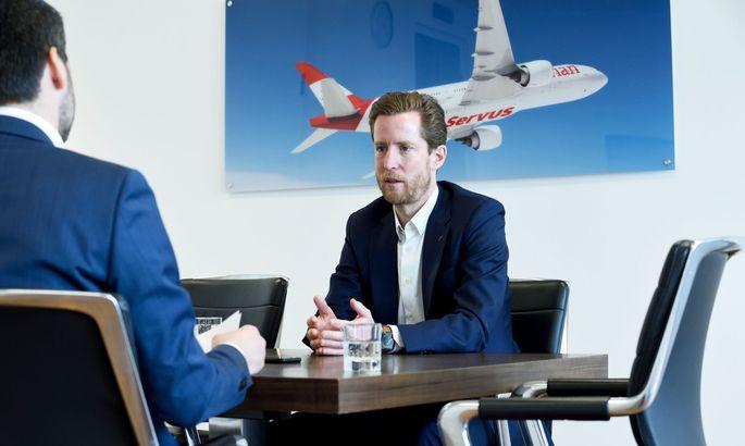 """Mit einer Auslastung von 50 bis 70 Prozent heuer im Sommer komme die AUA """"komfortabel über den Berg"""", sagt AUA-Chef Alexis von Hoensbroech. Der 50-jährige Deutsche leitet seit 2018 die zur Lufthansa gehörende heimische Fluglinie."""