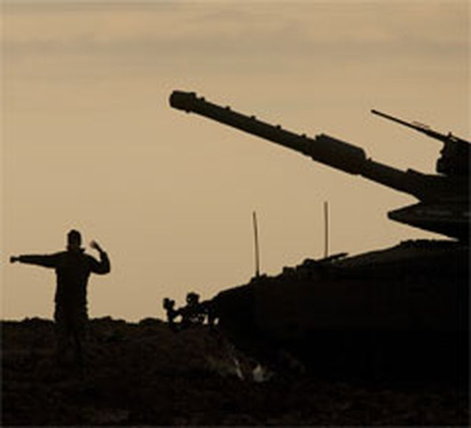 Israelische Bodentruppen stehen an der Grenze zum Gazastreifen bereit