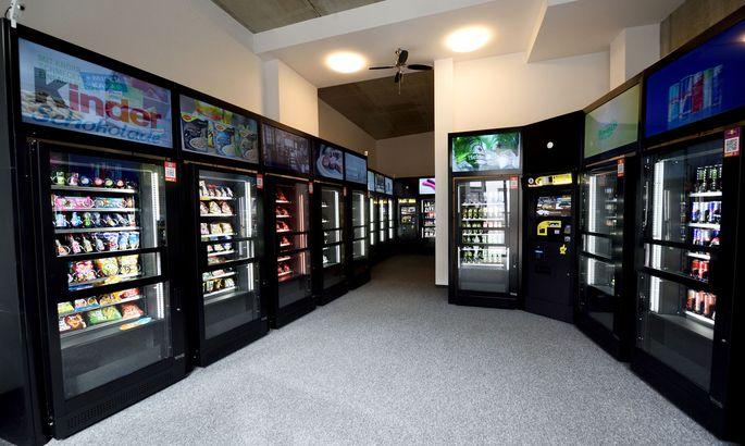 15 Automaten und zwei Bedienterminals – dafür kein Personal. So sieht es im neuen ServiceBob-Supermarkt aus.