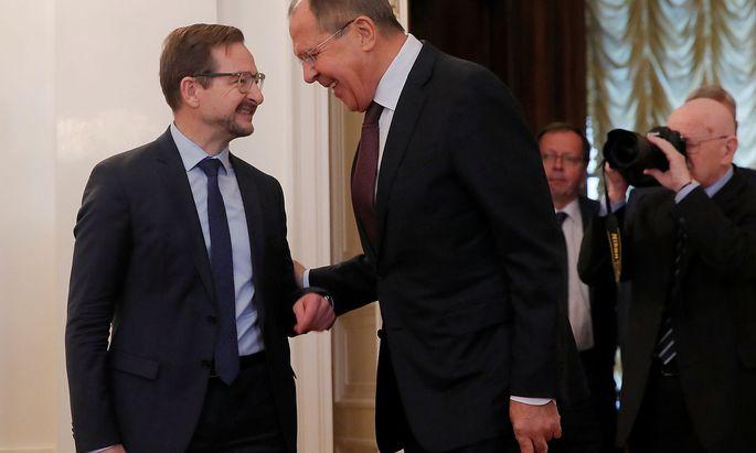 Archivbild aus dem Jahr 2017: OSZE-Generalsekretär Greminger (li.) mit dem russischen Außenminister Sergej Lawrow.