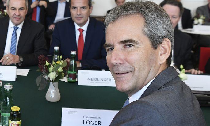 Finanzminister Hartwig Löger (ÖVP) will die zahnlose Öbib umbauen.
