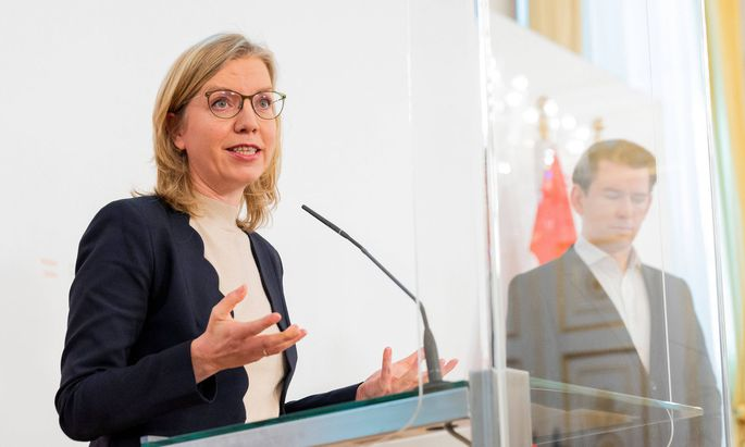 20210430 Government project Sprungbrett program for the long-term unemployed VIENNA, AUSTRIA - APRIL 30: Minister for i