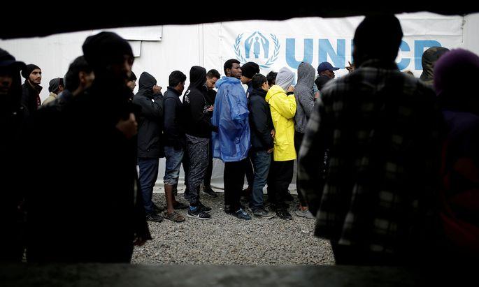 Wer soll sich um sie kümmern? Europas Asylpolitik ist seit fast drei Jahrzehnten das Ergebnis fehlerhafter Kompromisse und schwer vereinbarer nationaler Interessen.