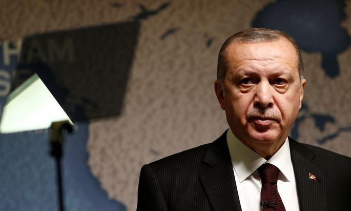"""Der türkische Präsident, Recep Tayyip Erdoğan, macht mit scharfen rhetorischen Attacken gegen den """"Terrorstaat"""" Israel."""