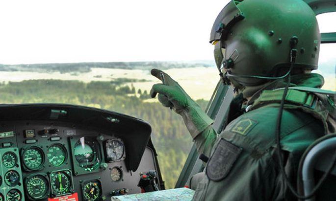 Experte: Berufssoldaten statt ''bewaffneter Feuerwehr''