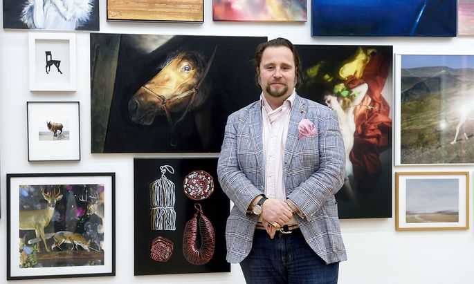 Michael Schmidt-Ott zeigt die Kunstwerke derzeit in einem leerstehenden Geschäftslokal in der Galleria
