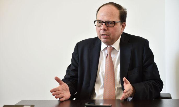 """Ärztekammer-Präsident Thomas Szekeres fordert einen bundesweiten Lockdown """"für zwei oder drei Wochen""""."""