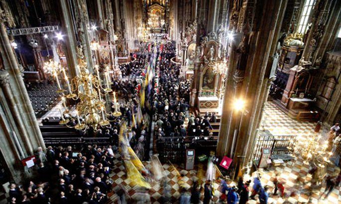 Habsburg: Twitter-User äußern Unmut über Trauerfeier