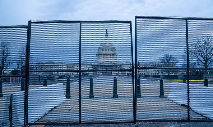 News Themen der Woche KW01 News Bilder des Tages Security is underway for the upcoming Inauguration for President Joe Bi