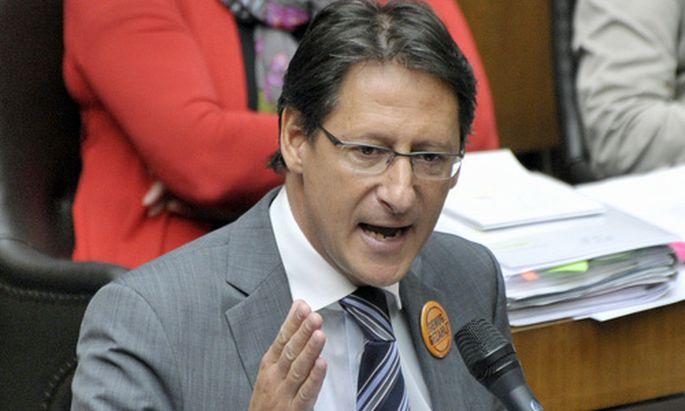 BZoe wirbt Opposition fuer