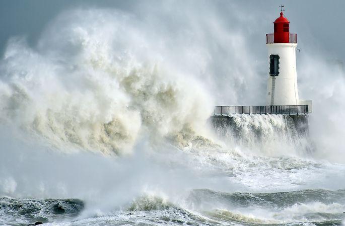 Die Entstehung von Wellen und Strömungen sind das Spezialgebiet von Wittgensteinpreisträger Adrian Constantin.