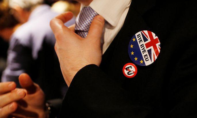 """Die Briten sagen """"Goodbye"""" zur EU, doch in welcher Form, das ist noch zu justieren."""