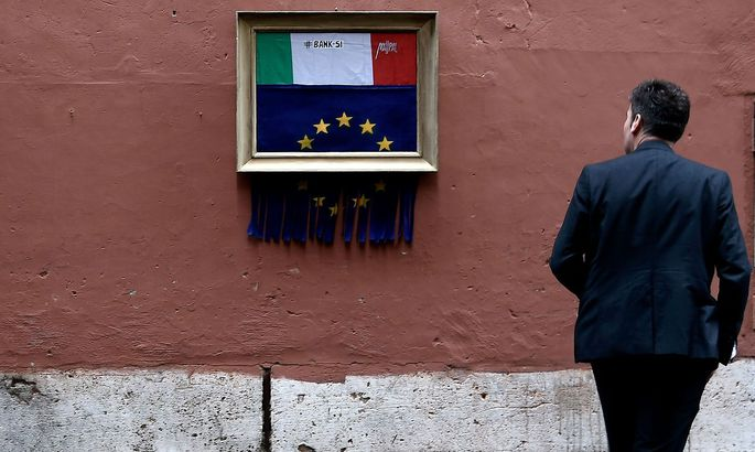 TOPSHOT-ITALY-EUROPE-ECONOMY-URBAN-STREET-ART