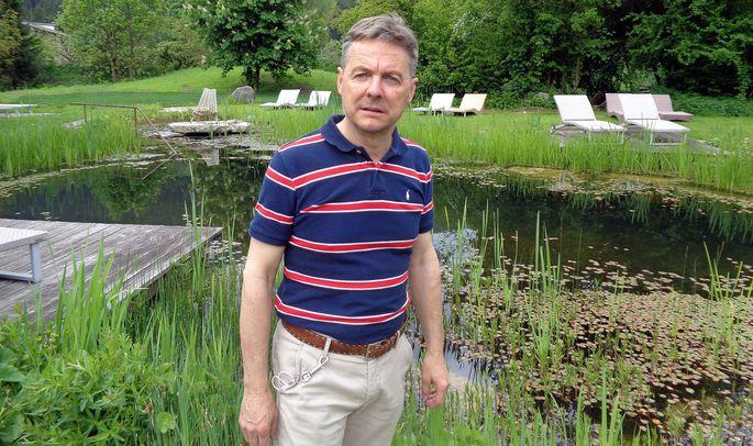 """Gerd Tauber betreibt eines der interessantesten """"Wanderhotels"""", das Südtiroler Tauber Vitalhotel in Kiens, nahe von Bruneck."""