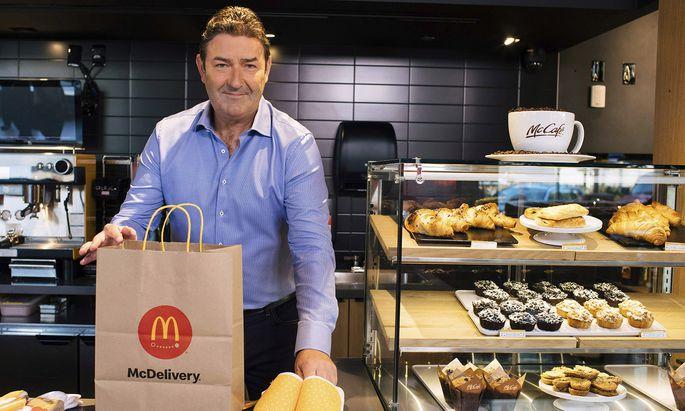 """McDonald's-Chef Steve Easterbrook – hier bei der Feier der """"McDelivery Night"""" im September – verlor nun seinen Job."""