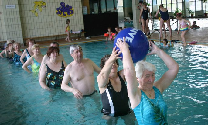 Wassergymnastik fuer Senioren