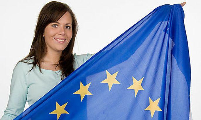 Frau mit Europafahne