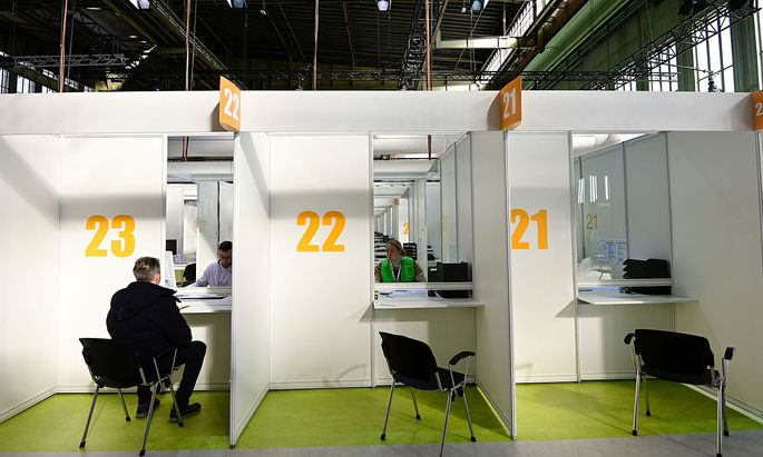 Berlin opens its 6th COVID-19 vaccination centre in former Tempelhof airport