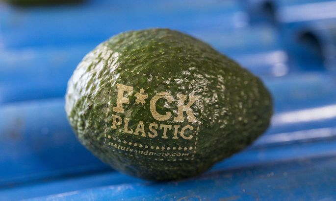 Böses Plastik? Materialwissenschaftler versuchen sich an einer Rehabilitierung – Gesellschaftskritik inklusive.