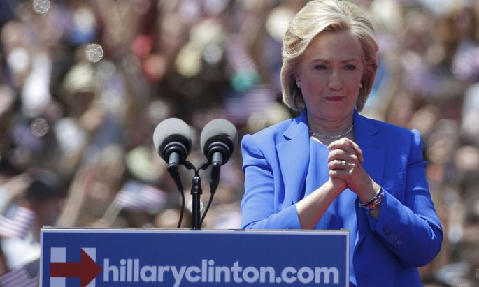 FOR DESK TO REVIEW SHARPNESS -U.S. Democratic presidential candidate Hillary Clinton delivers her ´official launch speech´ at a campaign kick off rally in Franklin D. Roosevelt Four Freedoms Park on Roosevelt Island in New York City