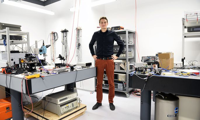 Zur Elektrotechnik hat es den Tiroler schon als Jugendlichen gezogen – er bastelte gern an kaputten Elektrogeräten im elterlichen Haushalt herum.