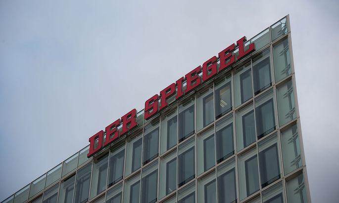 """Chefradakteur Fichtner und Blattmacher Geyer stehen beim """"Spiegel"""" zur Diskussion."""