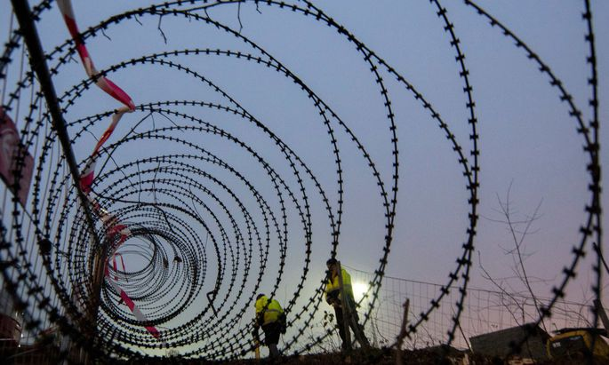 Schon im Jahr 2015 wurde ein 3,7 Kilometer langer Grenzzaun bei Spielfeld errichtet. Jetzt wird der Grenzschutz weiter verstärkt.