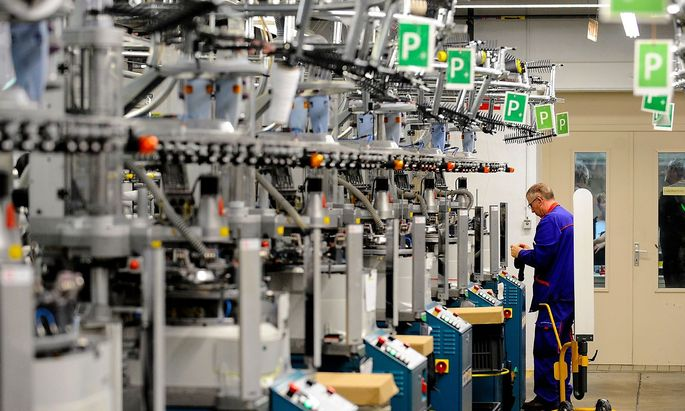 FRANCE-ECONOMY-INDUSTRY-TEXTILE-CLOTHING