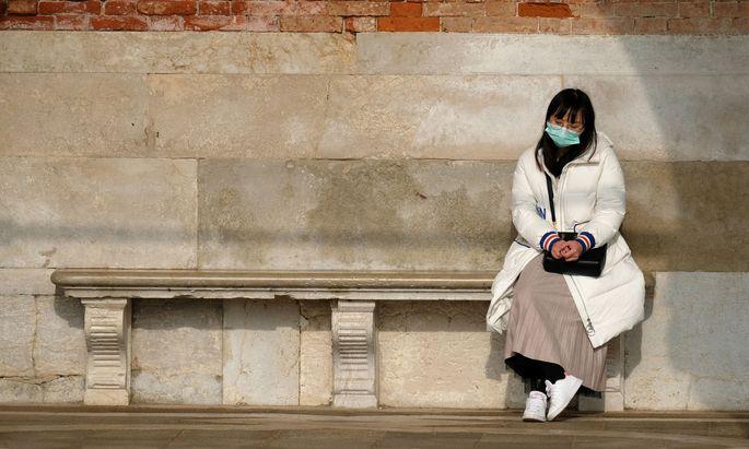 In Italien werden große Ausfälle erwartet. Im Bild: Eine Touristin in Venedig.