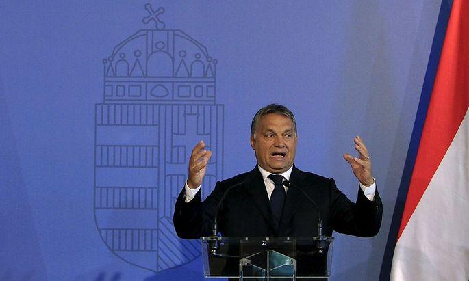 Viktor Orban sieht die Menschen in den Flüchtlingslagern rund um Syrien gut aufgehoben.