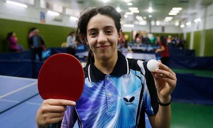 Die jüngste Teilnehmerin dieser Spiele: Zwölf Jahre und 205 Tage wird die Syrerin Hend Zaza bei ihrem Auftaktspiel gegen Liu Jia alt sein.