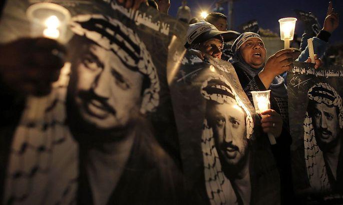 Palästinenser gedachten ihrem ehemaligen Präsidenten Jassir Arafat an seinem neunten Todestag Ende November.