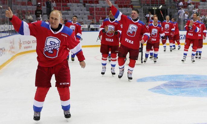 TOPSHOT-RUSSIA-POLITICS-SPORT-IHOCKEY