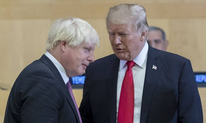 170918 UNITED NATIONS Sept 18 2017 U S President Donald Trump R talks with British Fo