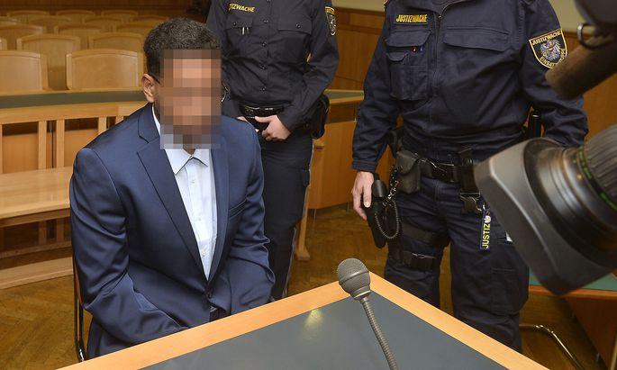 Der 25-Jährige am Montag vor Gericht