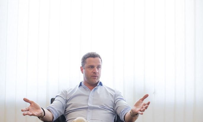 INTERVIEW MIT FPOe-KLUBOBMANN JOHANN GUDENUS