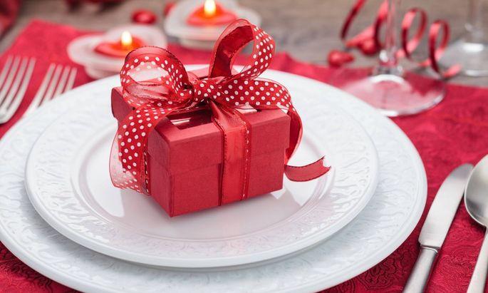 Am Valentinstag feiert man auf der ganzen Welt etwas die Liebe und groß den Handel.