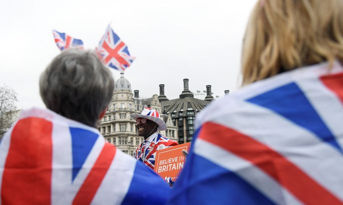 Die Brexit-Befürworter feierten am Freitag den Abschied aus der EU und warben für nationales Selbstvertrauen.