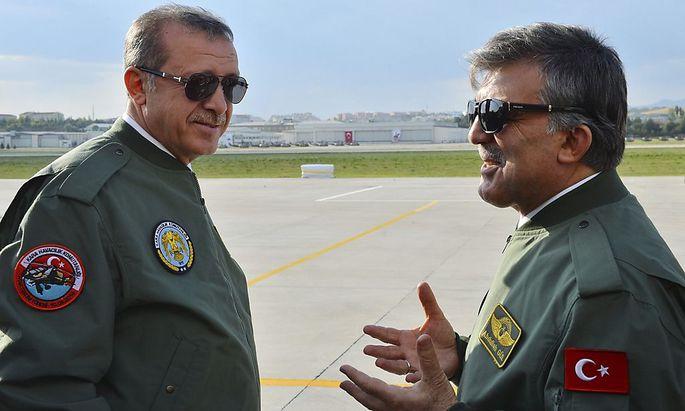 Noch-Premier Erdoğan (li.) wird Präsident. Wird Noch-Präsident Gül (re.) Premier?