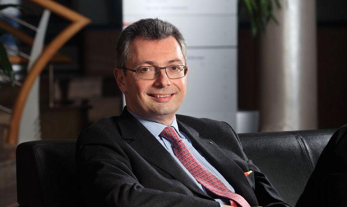Dr. Alexander Picker
