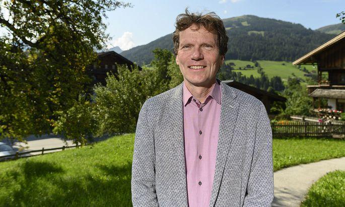 """Hartmut Rosa liebt die Berge. In Alpbach sprach er u.a. darüber """"Was denkt die Welt?"""""""