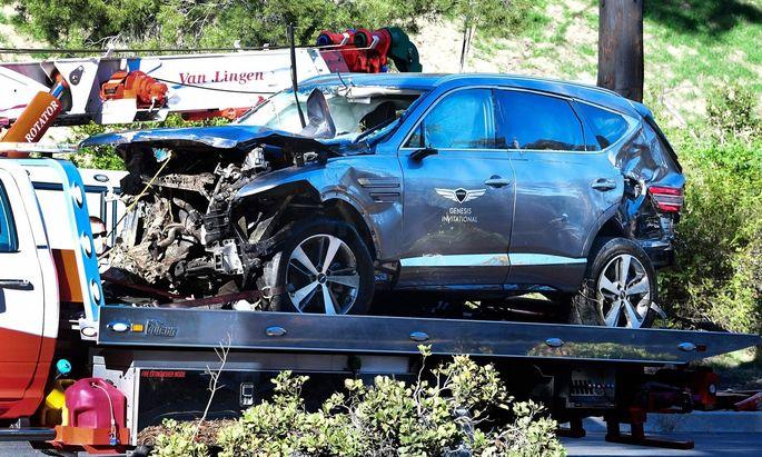 Das SUV des Golfspielers Woods nach dem Crash
