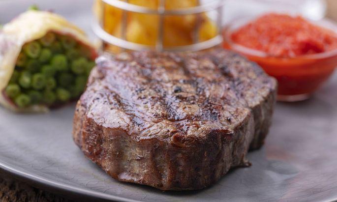 Wer ein edles Teil vom Rind grillen will, sollte einige Dinge beachten.