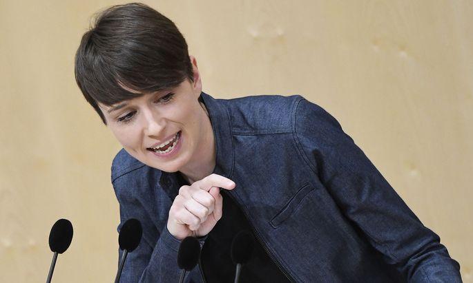 Grünen-Klubobfrau Sigrid Maurer argumentierte, dass die Opposition ja den Ausschuss neu einberufen lassen könnte.
