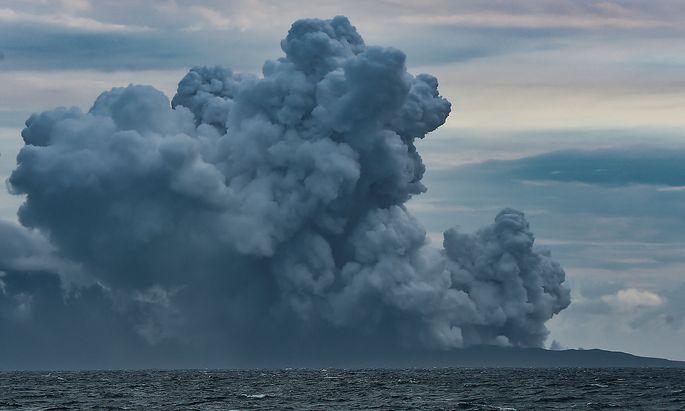 Der Anak Krakatau auf einem Foto vom 28. Dezember.