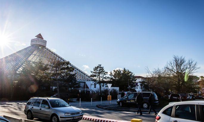 Ausgerechnet im Eventhotel Pyramide in Vösendorf fanden einige Veranstaltungen von Optioment statt.